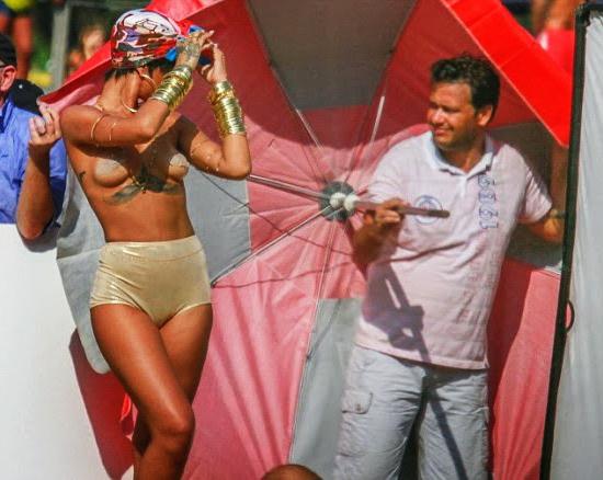 Rihanna-Topless-OAJ-Vogue-Brazil-1.1