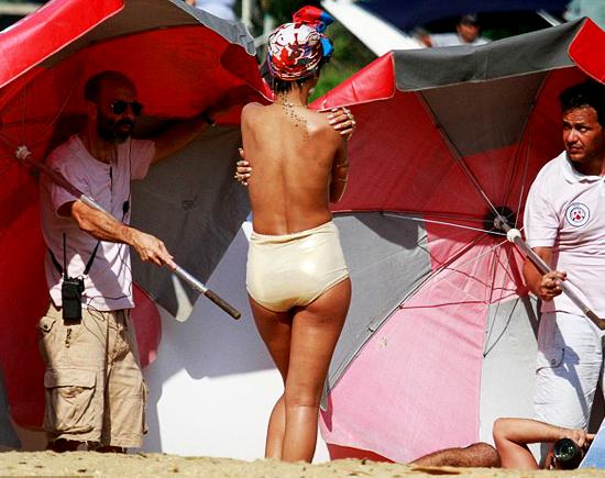Rihanna-Topless-OAJ-Vogue-Brazil-1.3