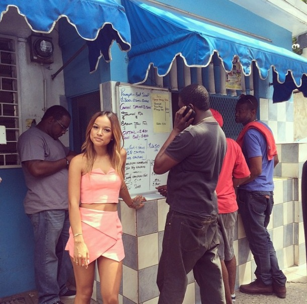 We love that Karrueche kept it real and hit up a local lunch spot in Kingston.