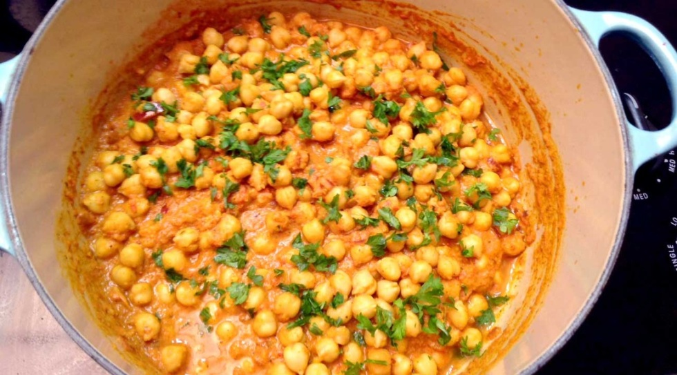 JuicyChef's curried chick peas.