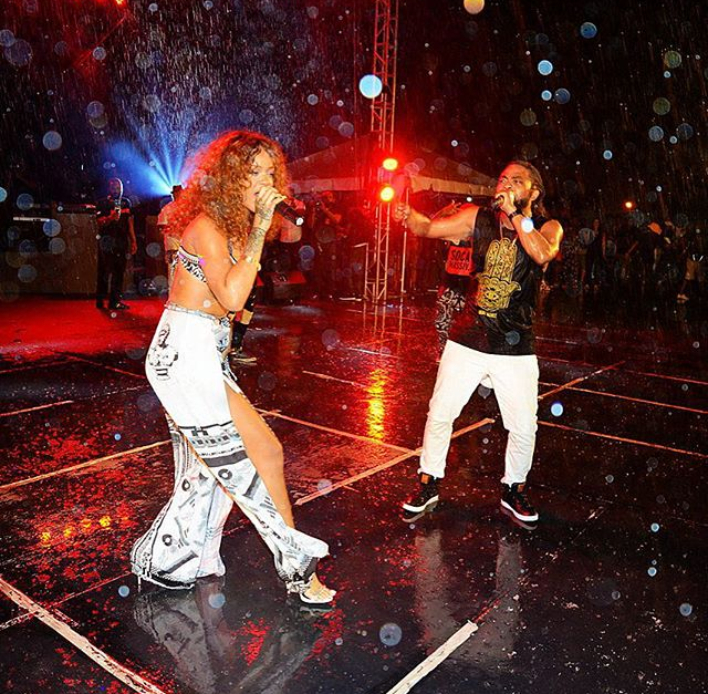rihanna joins machel montano on stage at crop over in